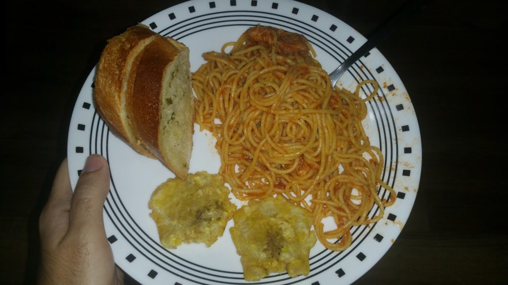 Spaghetti with Garlic Bread and Tostones