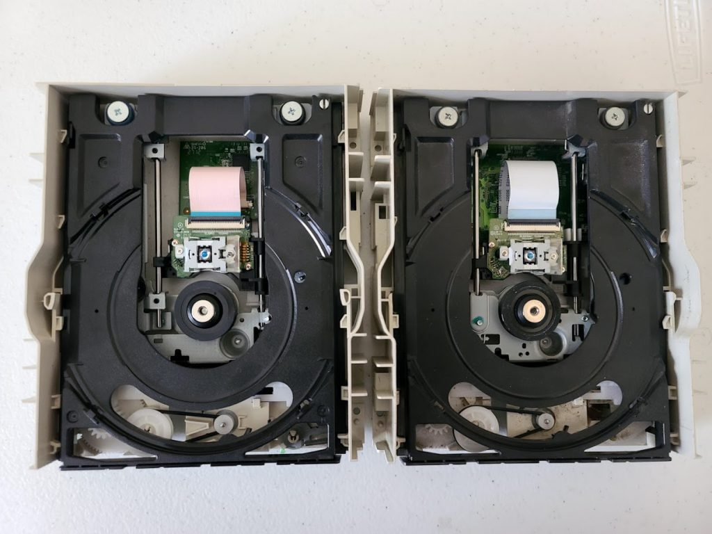 LiteOn iHAS524 A and C Inside Side-by-side