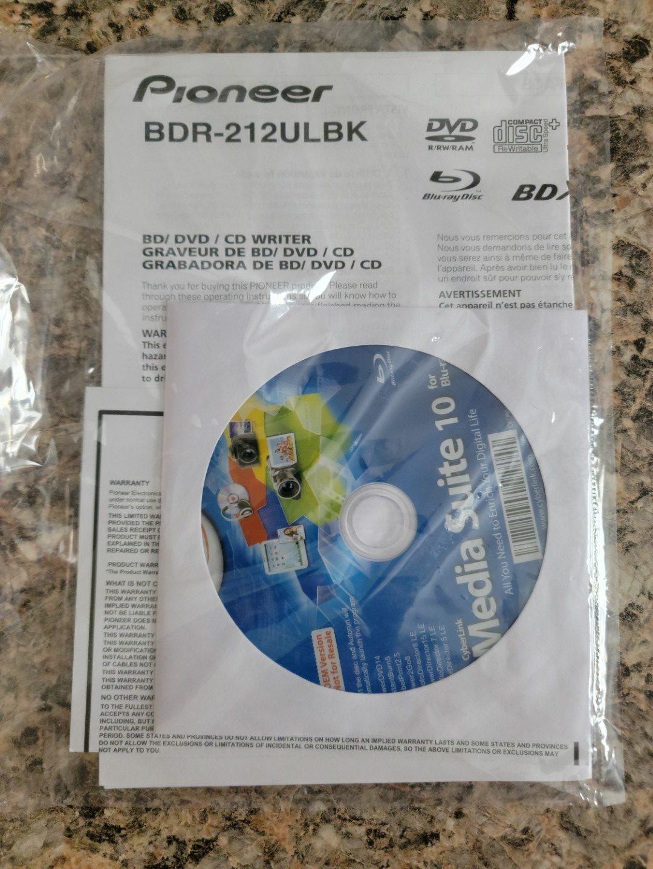 Pioneer BDR-2212 Unboxing 12