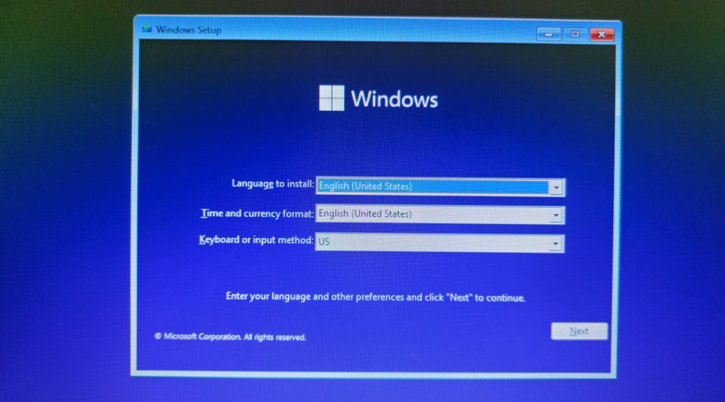 Attempting to install Windows 11 build 21996 2