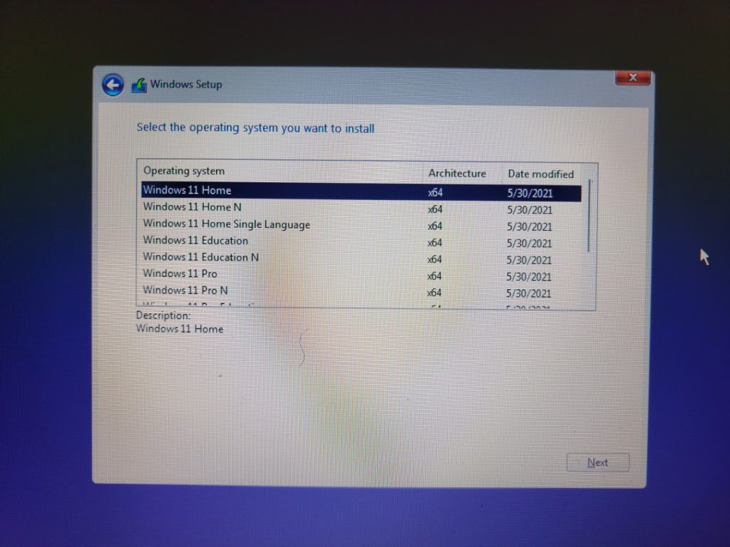 Attempting to install Windows 11 build 21996 3
